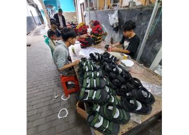 Pabrik Sol Sandal Karet di Bandung